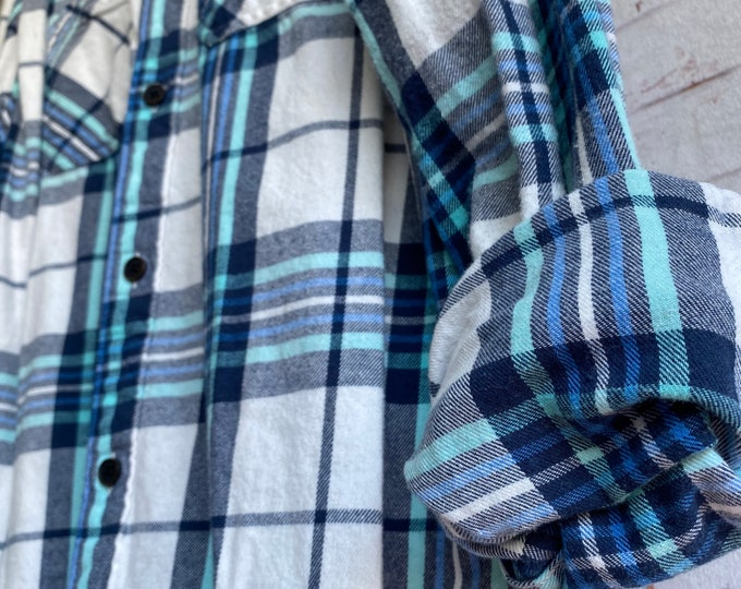 Large vintage flannel shirt, white with blue and aqua plaid, bride getting ready button down, L LG