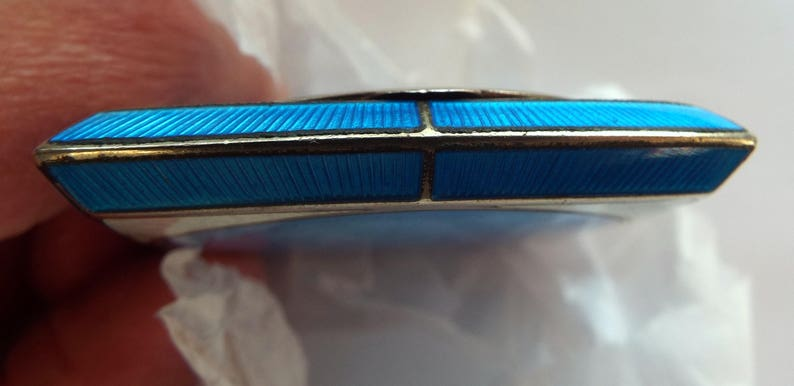 Bliss Brothers B.B.Co vintage 1920s1930s blue guilloche enamel petite powder compact