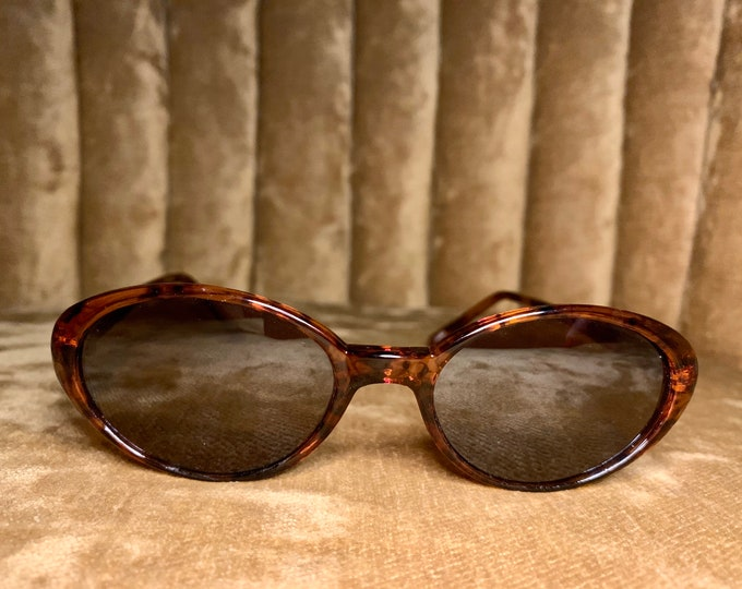 Vintage 90's Tortoise Shell Small Cateye Sunglasses