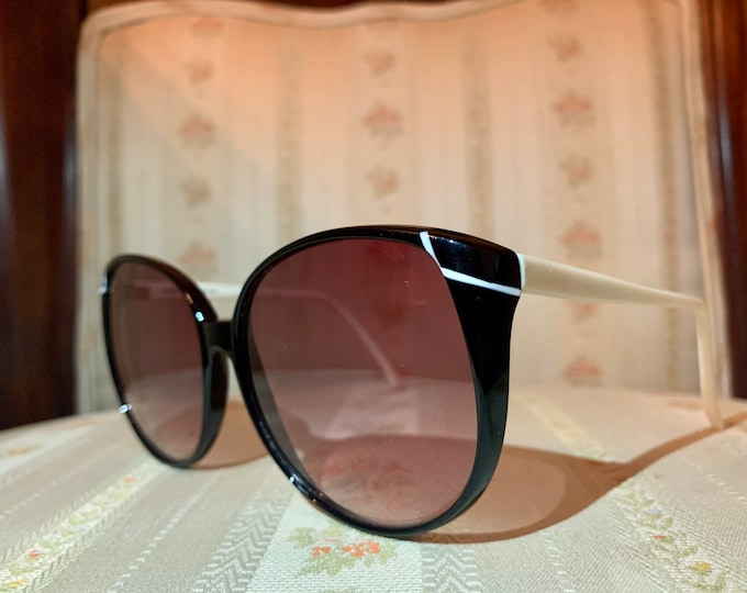 Vintage 80's Black and White Bausch and Lomb Sunglasses