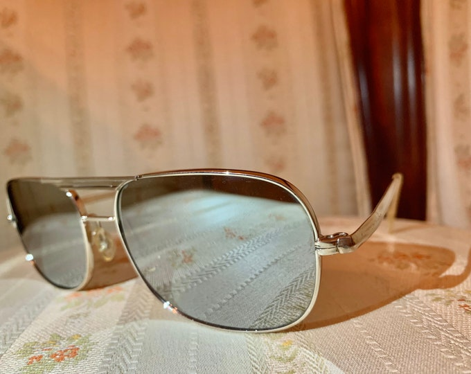 Vintage 80's Silver Wide Framed Mirrored Aviator Sunglasses