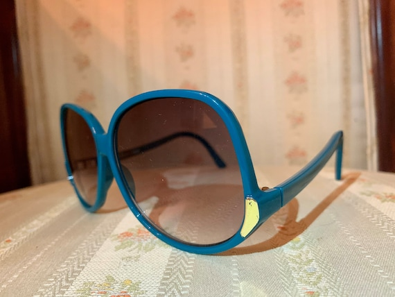 Vintage 80's Turquoise and Gold Drop Arm Sunglasses