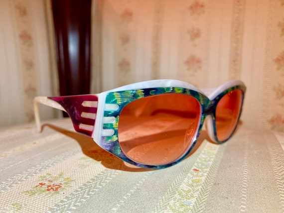 Vintage 80's Abalone Mother of Pearl Multicolored Sunglasses