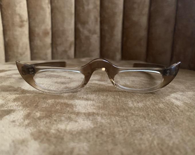 Vintage 50's Gradient Cateye French High Bridged Glasses Frames