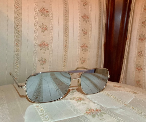 Vintage 80's Silver Wide Framed Mirrored Aviator … - image 4