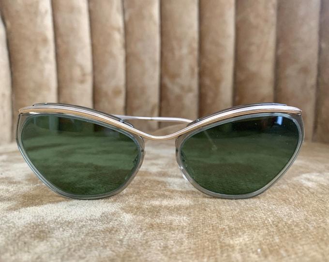 Vintage 50's NOS Sol Amor Gold Framed Green Lens Sunglasses