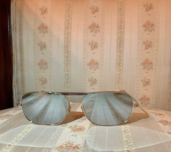 Vintage 80's Silver Wide Framed Mirrored Aviator … - image 2