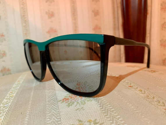 Vintage 80's Green Brow Mirrored Sunglasses