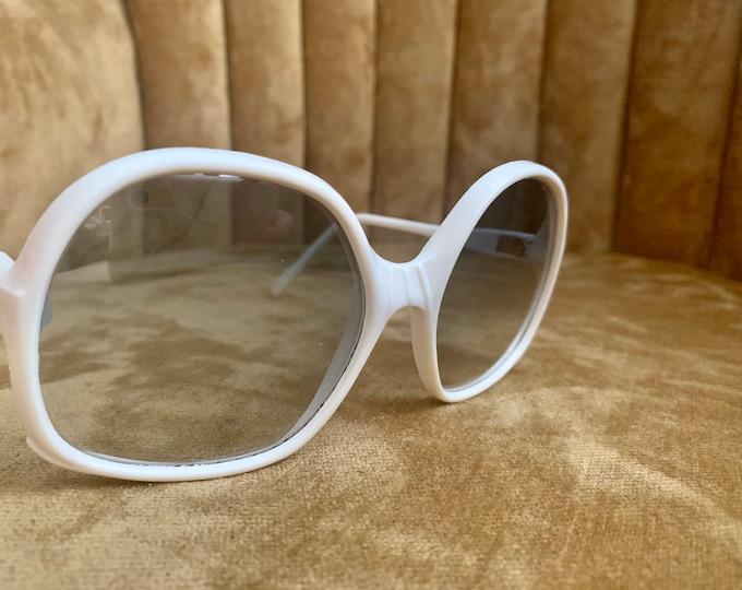 Vintage 70's White Mirrored Lens MOD Sunglasses
