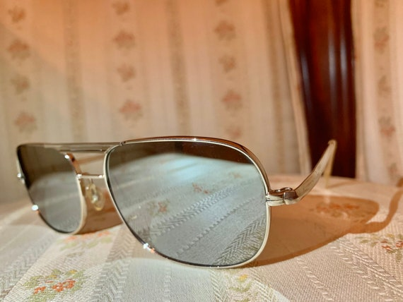 Vintage 80's Silver Mirrored Aviator Sunglasses
