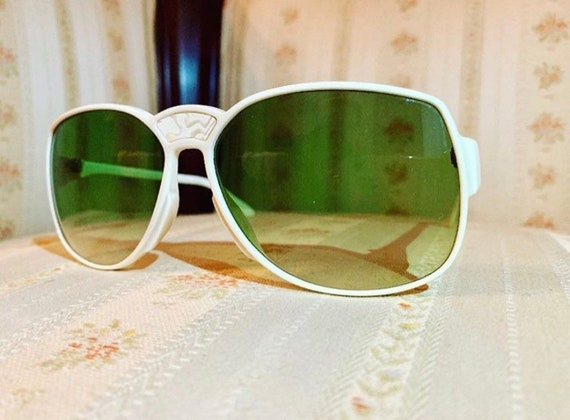 Vintage 70's NOS Rodenstock White Abalone/Mother of Pearl Green lensed Sunglasses