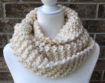 The MOBIUS TWIST Garter Stitch Knit Cowl - Ivory