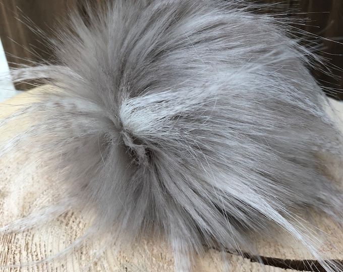 Pearl Feather Faux Fur Pom