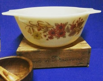 Vintage Pyrex Autumn Casserole Dish Made  in England