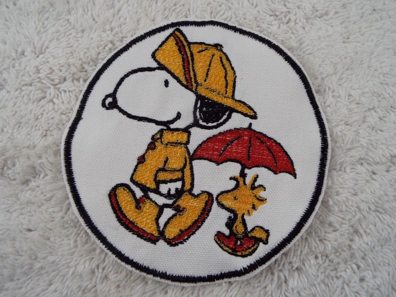 Peanuts LINUS VanPelt Comic Strip Cartoon Character Embroidered Iron-on Patch