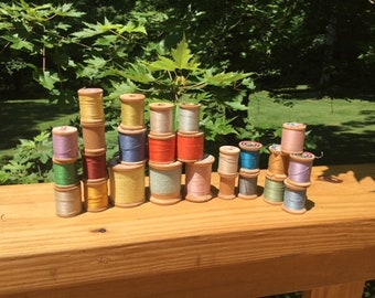 Lot of 25 Vintage Wooden Coat and Clark and Lily Spools of thread