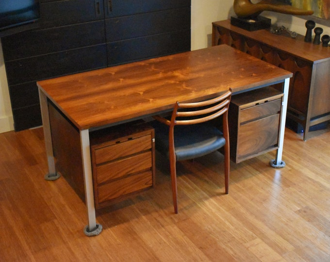 Restored 'floating top' executive/partners desk in Brazilian Rosewood, circa 1960s