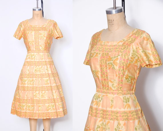 Vintage 60s orange floral print dress / 1960s day