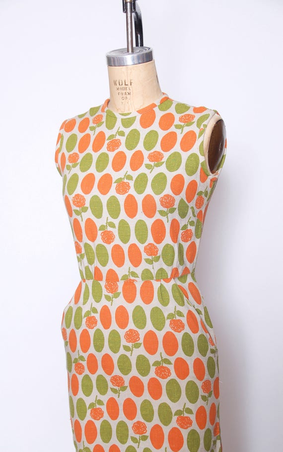 Vintage 40s linen wiggle dress / polka dot dress … - image 3