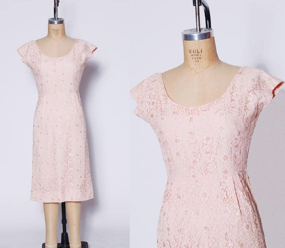 Vintage 50s pink lace dress / fitted wiggle dress
