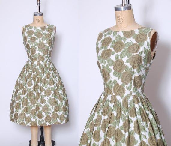 50s rose print dress / green rose dress / novelty