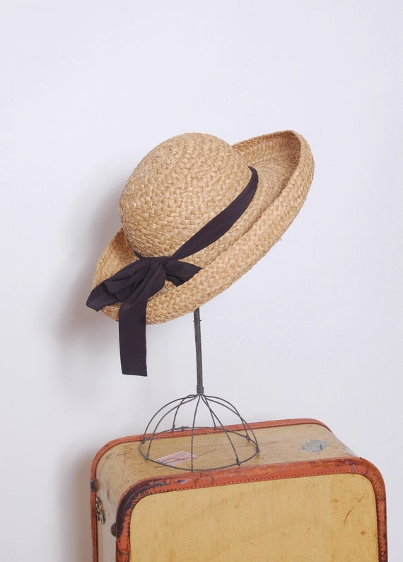 Vintage straw hat with bow / natural straw market