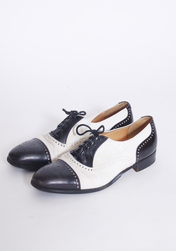 Vintage Mens wing tip brogues / black & white two