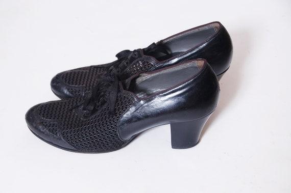 Vintage 30s shoes / black leather shoes / mesh toe