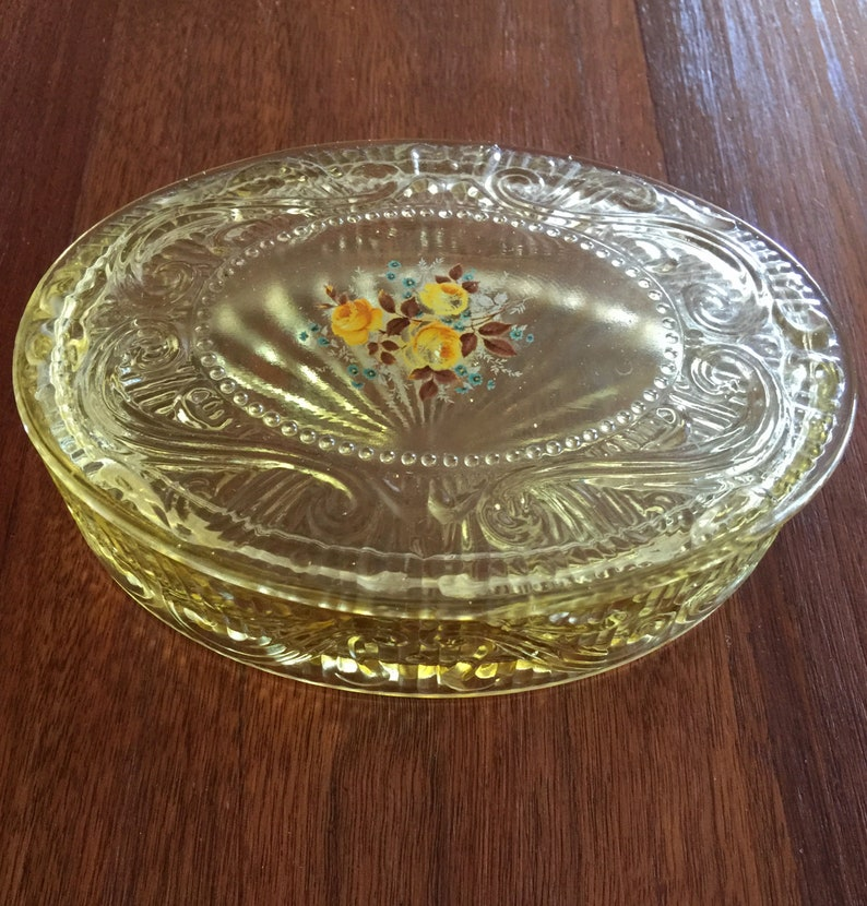 Vintage Covered Dish Yellow Vanity Dressing Table Dish Yellow Covered Candy Dish With Lid Glass Jewelry Box Storage
