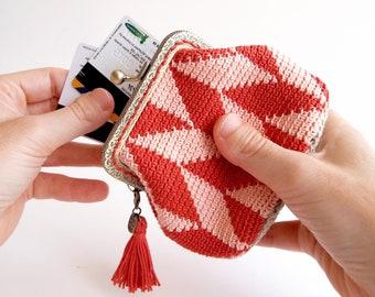 Earthy colors terracotta crochet pouch, modern geometric tapestry crochet coin purse for woman, burnt orange and peach chevron pattern purse