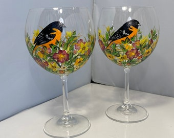 Bird Wine Glasses. Painted Wine Glasses with Oriole Bird. Fall Wine Glasses. Wine Glasses with Fall Flowers. Autumn Colored Wine Glasses.