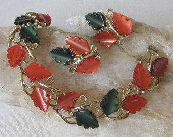 Mid Century Burnt Orange & Green Bracelet and Clip Earrings, Vintage Moonglow Thermoset