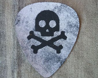 Patch Skull and Bones plectrum