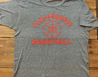 Vintage 90's Gray Clearwater Basketball T-Shirt Size Large
