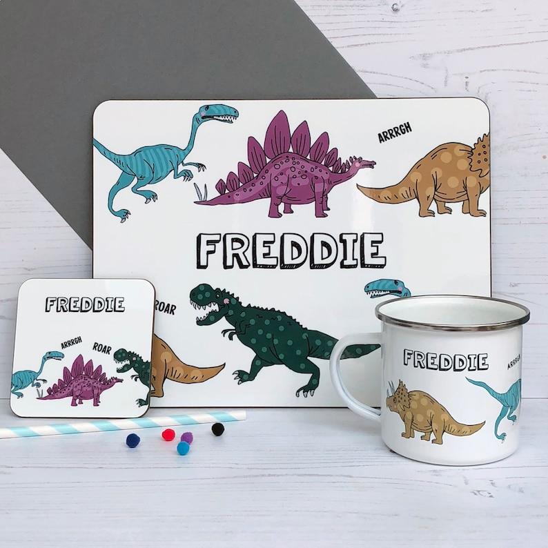 Dinosaurier Namen Dinosaurier Tischset T Rex Personalisierte Geschenk Individuelle Geschenk Für Kinder Tischset Tischset Für Dino Fans