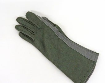White Unused Genuine CZECH Army Issue Combat Winter Knitted Wool Gloves