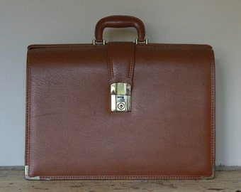Vintage Brown Vinyl Briefcase