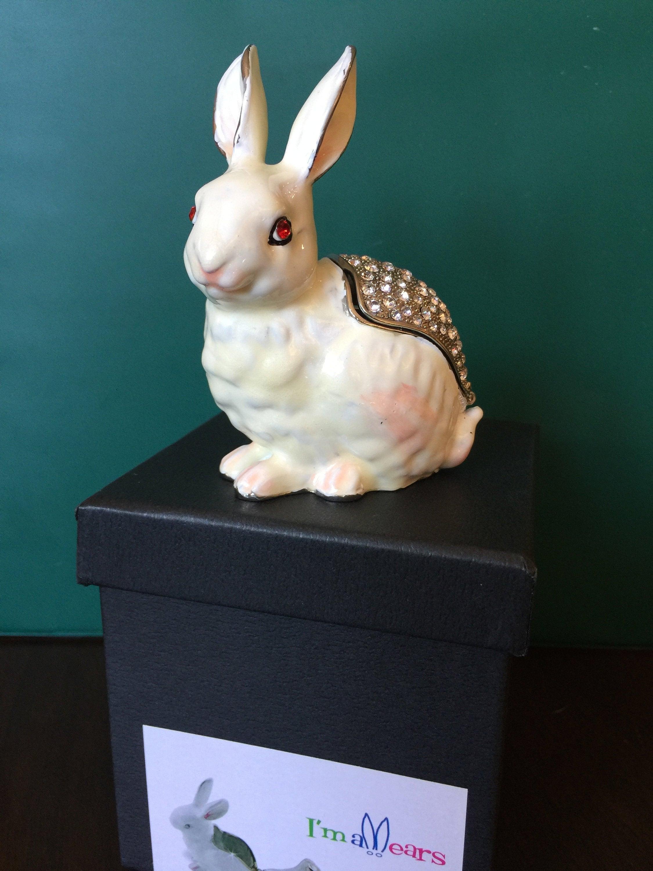 art form fine collectibles Art Form Fine Collectibles/ Rabbit AF1