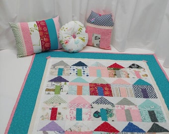 pretty nice 05963 dcfc2 Little Doll House Quilt and Pillows   Doll Bedding   Birthday gift   Easter  gift   Gift for little girl.