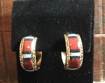 14k yellow gold snake design hoop earrings .