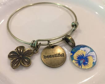 Brass bangle bracelets with glass cabochon