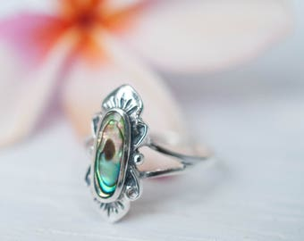 Abalone Ring ~ Sterling Silver 925 ~ Jewelry ~ Handmade ~ Everyday ~ Casual ~ Delicate ~ Abalone Shell ~ Boho ~ Hippie ~ Bohemian ~MR028