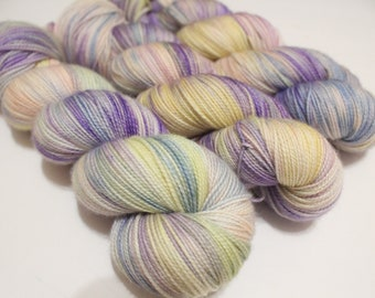 Empty-Headed Mary Poppins Knockoff - Superwash Merino Wool - Hand Dyed Yarn - Golden Girls inspired colors