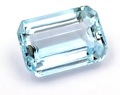 Natural light blue aquamarine of 7.21 ct. - Measurements: 14.83 x 10.22 x 6.06 mm. - Rectangular emerald cut. - Origin Brazil.
