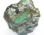 Great natural emerald of 11.4 kilograms on black mica and quartz.