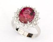 Ring - White Gold 18k/750 - Pink-purple rubellite tourmaline of 4.50 ct. - Diamonds 0.22 ct. - Size 15 (ES) - HRD Jewellery report.