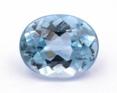 Oval-cut natural blue topaz , weight: 3.71 ct.