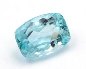 Light greenish blue natural aquamarine of 6.26 ct. - Measurements: 13.9 x 9.56 x 6.9 mm. - Cushion cut. - Origin Brazil.
