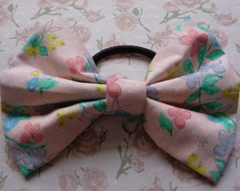 Pink Buttercup Flower Pattern Hair Bow