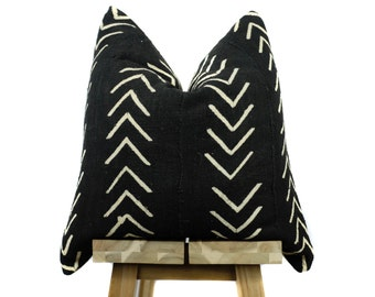 Mudcloth Pillow Cover, African Mud Cloth Pillow, Black and Off White | 'Asha'